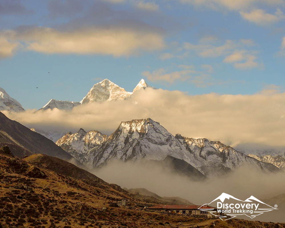 Hike in the Trails of Everest Base Camp