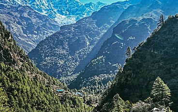 on the way to Namche