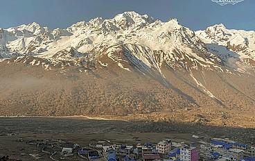Kyanjin-Gompa(3,865m)
