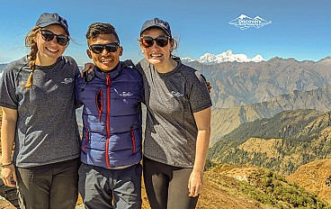 two travellers with guides at ruby valley trek