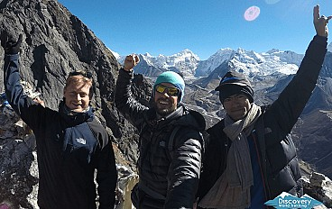 Three Peaks Climbing - Pokalde, The Island and Lobuche East Image 4