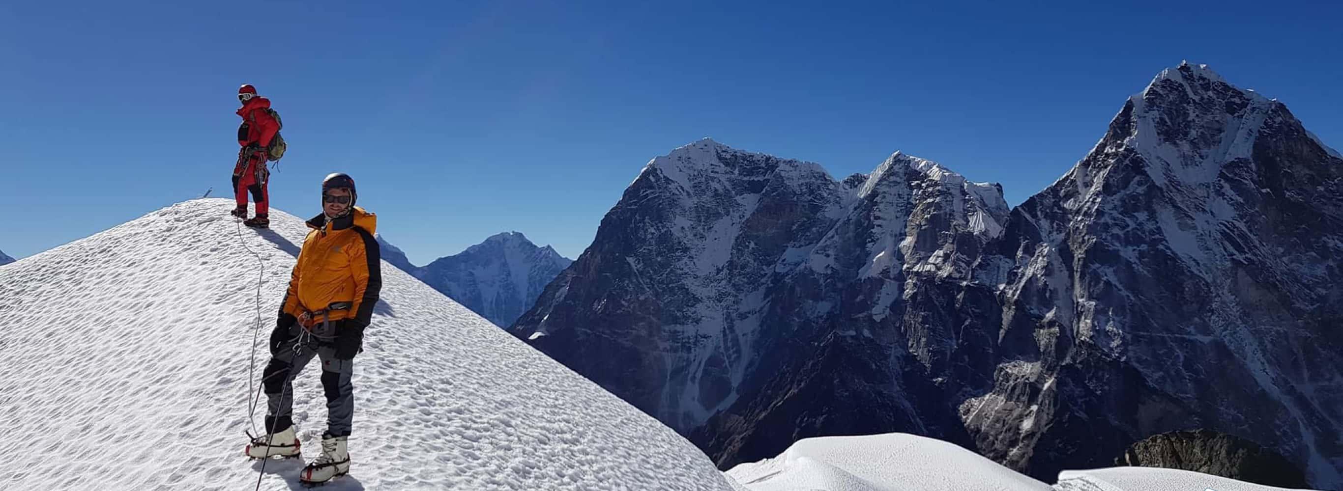 Mera Peak and Island Peak Climbing via Amphu Laptsa Pass - 25 Days